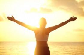 Pratique a sauda��o ao sol