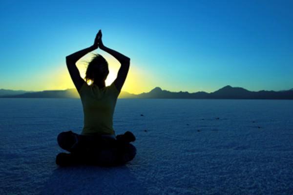 Resultado de imagem para yoga fotos