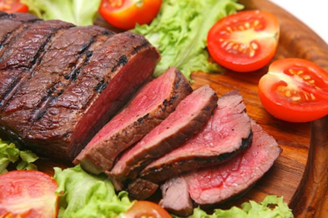 Carne vermelha interfere no humor e aumenta o colesterol