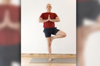 Postura da �rvore no Yoga
