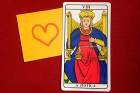 Tarot sugere como ser� amor em 2015