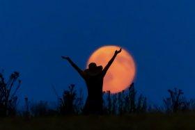 Páscoa e lua cheia de Áries: época de despertar