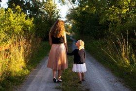 Identificação com mãe deve morrer para que mulher se desenvolva