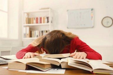 Florais e óleos essenciais cansaço físico e mental nas questões acadêmicas